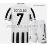 Kit Home Juventus di Cristiano Ronaldo 2021/22